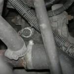 Закручиваем колодку и подсоединяем провода
