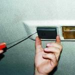 Снятие потолочного датчика температуры воздуха в салоне