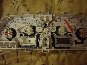 Панель приборов ВАЗ 2110 в разобранном виде
