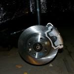 Установка тормозного диска через 2 шайбы крепление суппорта к спец. пластине
