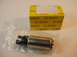 На фото - Бензонасос Bosch ВАЗ 2110