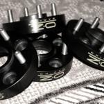 На фото - Комплект проставок OZ Racing