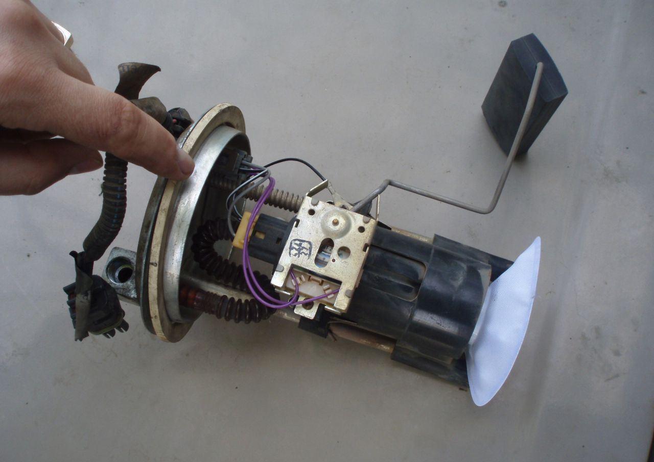 Фото №9 - почему не работает бензонасос на ВАЗ 2110