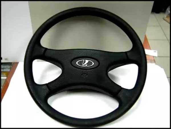 Рулевое колесо от четвёртой модели