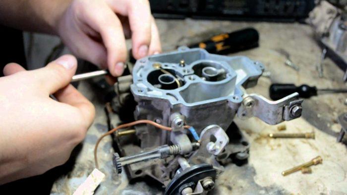 Процесс ремонта и регулировки пускового устройства