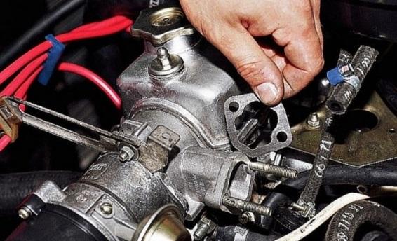 Замена прокладок механического бензонасоса ВАЗ 2108/2108