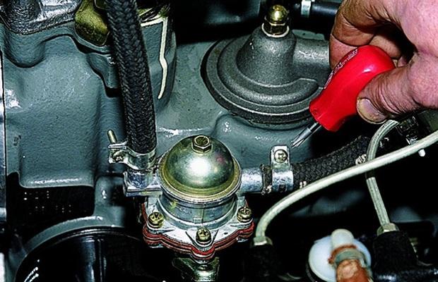 Замена механического бензонасоса ВАЗ 2101–2107