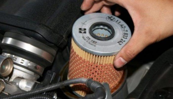 Установка нового масляного фильтра на ВАЗ 2114