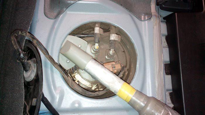 Очистка бензонасоса ВАЗ 1118 от пыли