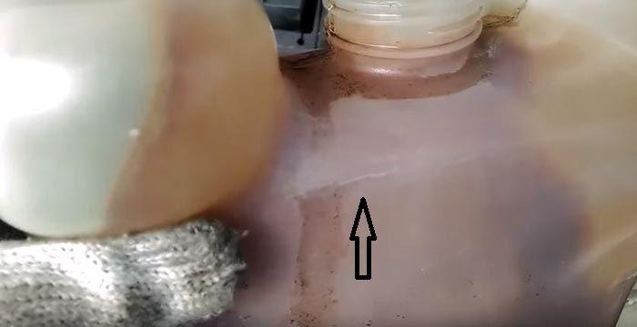 Трещина стенки бачка ВАЗ 2110—12