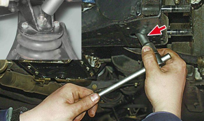 Крепление опор двигателя