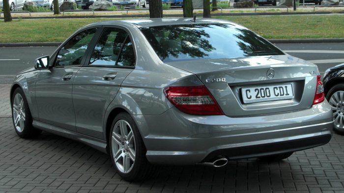 Самые неубиваемые автомобили: Mercedes C200