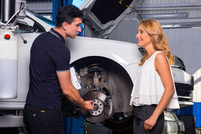 Когда нужно менять тормозные колодки на автомобиле