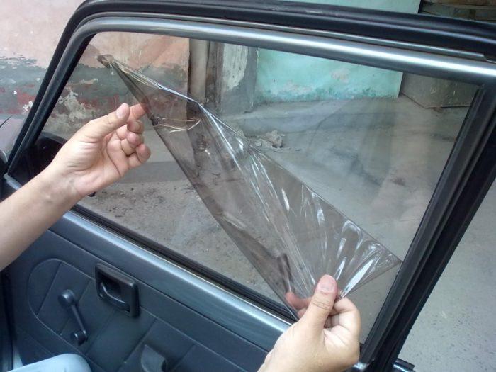 Тонировочная плёнка на стекле