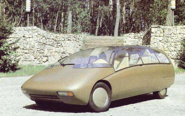Автомобиль 2000 года