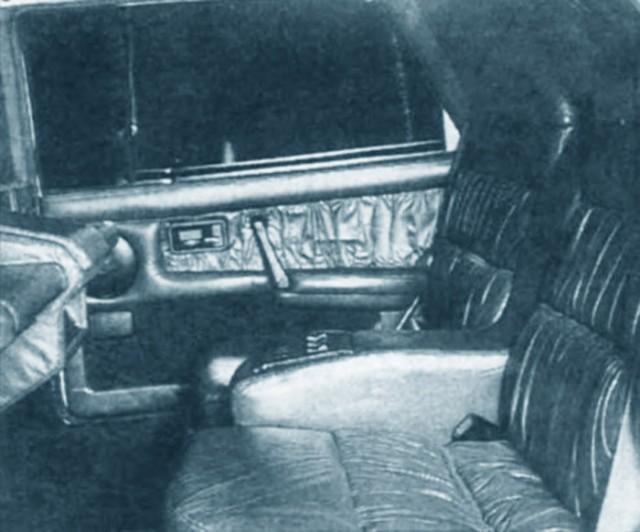 Задние сиденья лимузина ВАЗ-21099