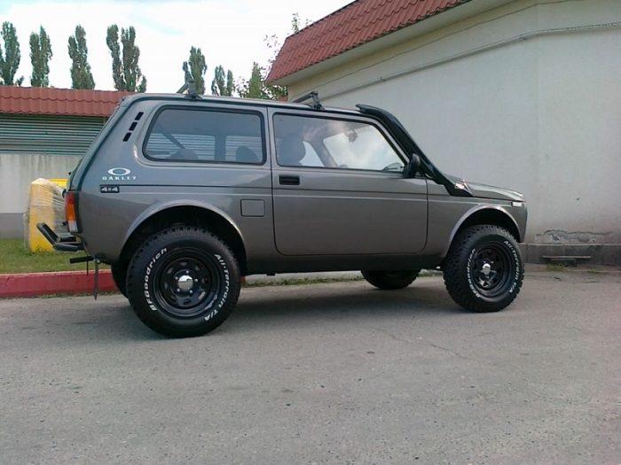 ВАЗ-21218
