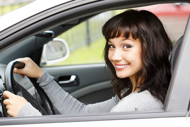 женщина на авто