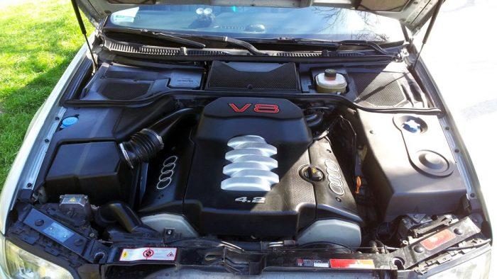 Под капотом Audi S8