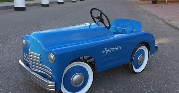 Педальный автомобиль ЗИС