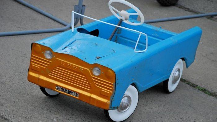 Педальный автомобиль «Нева»