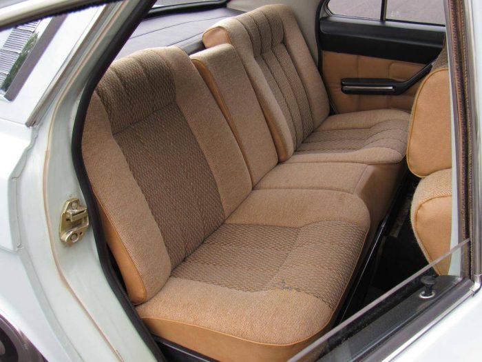 Задние сиденья ГАЗ-24–10 «Волга»