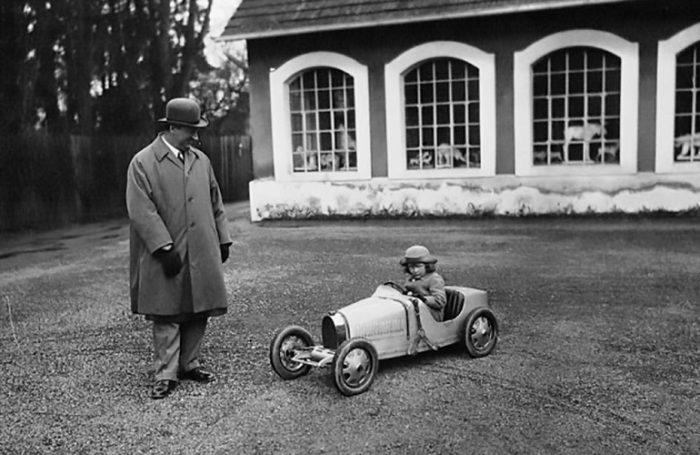 Этторе Бугатти с сыном