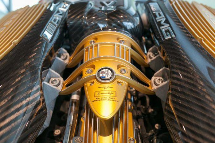 12-цилиндровый мотор