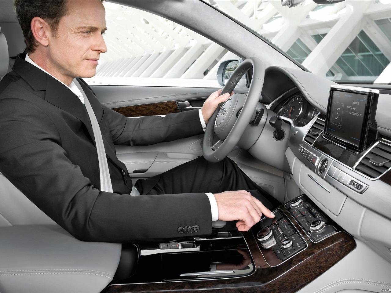 Водитель премиум-авто